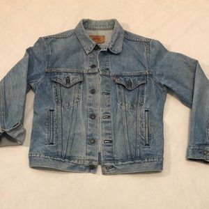 Vintage Levi's trucker denim jacket Sz 40 EUC.